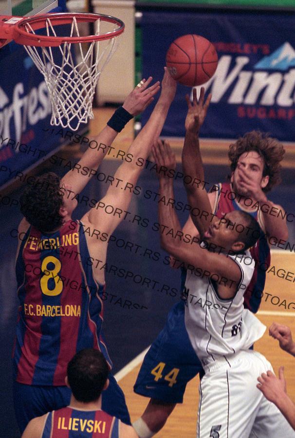 SPORT  KOSARKA PARTIZAN BARSELONA EVROLIGA Frederick House Haus 11.12.2003. foto: Pedja Milosavljevic Glas Javnosti<br />