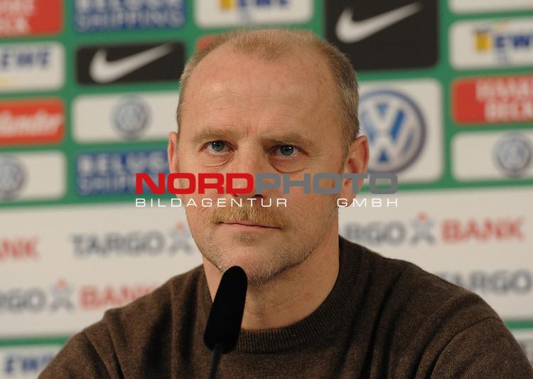 27.01.2011, Weserstadion, Bremen, GER, 1.FBL, Pressekonferenz Werder Bremen, im Bild Thomas Schaaf (Trainer Werder Bremen)   Foto © nph / Frisch