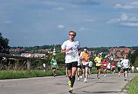 Germany, Upper Bavaria, hop-planting area Hallertau (Holledau), Wolnzach: 10 Km-run charity performance for Sternstunden e.V. | Deutschland, Bayern, Oberbayern, Hopfenanbaugebiet Hallertau (Holledau), Markt Wolnzach: 10 Km-Lauf zu Gunsten von Sternstunden e.V.