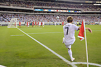 Robbie Rogers (7) of the United States (USA) takes a corner kick. The United States (USA) defeated Panama (PAN) 2-1 during a quarterfinal match of the CONCACAF Gold Cup at Lincoln Financial Field in Philadelphia, PA, on July 18, 2009.