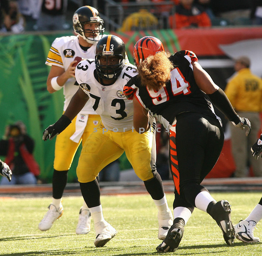 KENDALLL SIMMONS, of the Pittsburgh Steelers, in action during the Steelers games against the Cincinnati Bengals, in Cincinnati, Ohio on October 28, 2007.  ..The Steeler won the game 24-13...COPYRIGHT / SPORTPICS..........