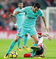 Athletic de Bilbao's Raul Garcia (r) and FC Barcelona's Sergio Busquets during La Liga match. October 28,2017. (ALTERPHOTOS/Acero) /NortePhoto.com