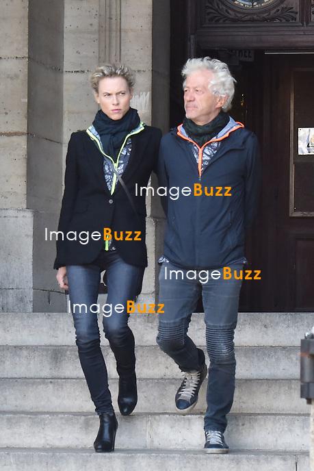 Jean-Luc Moreau et sa femme Mathilde Penin - Obsèques de Sylvie Joly en l'église Saint-Sulpice à Paris le 9 septembre 2015.