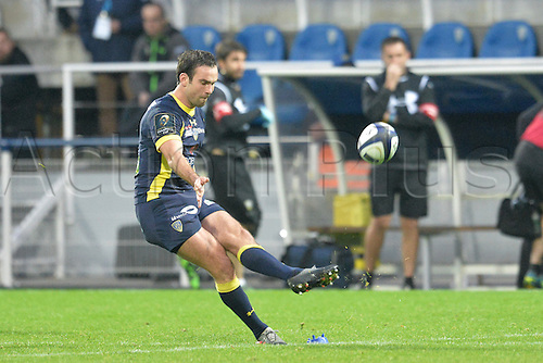 18.12.2016. Stade Marcel Michelin, Clermont-Ferrand, France. European Champions Cup Rugby. Clermont Auvergne versus Ulster.  Morgan Parra (asm)  kicks a penalty