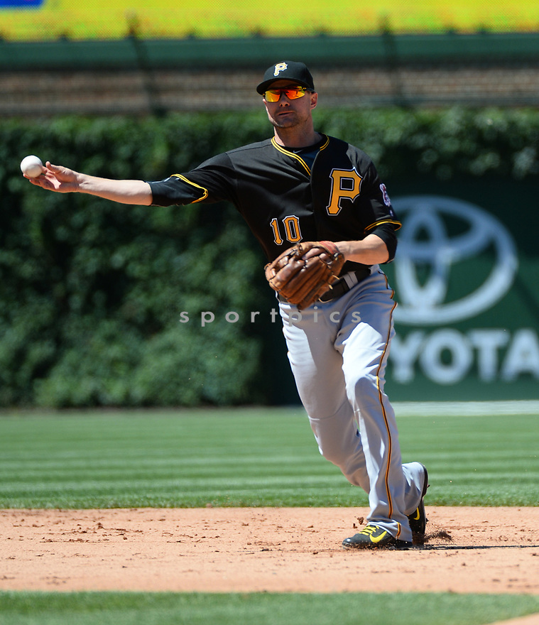 Pittsburgh Pirates Jordy Mercer (10) during a game against the Chicago Cubs on June 17, 2016 at Wrigley Field in Chicago, IL. The Cubs beat the Pirates 6-0.