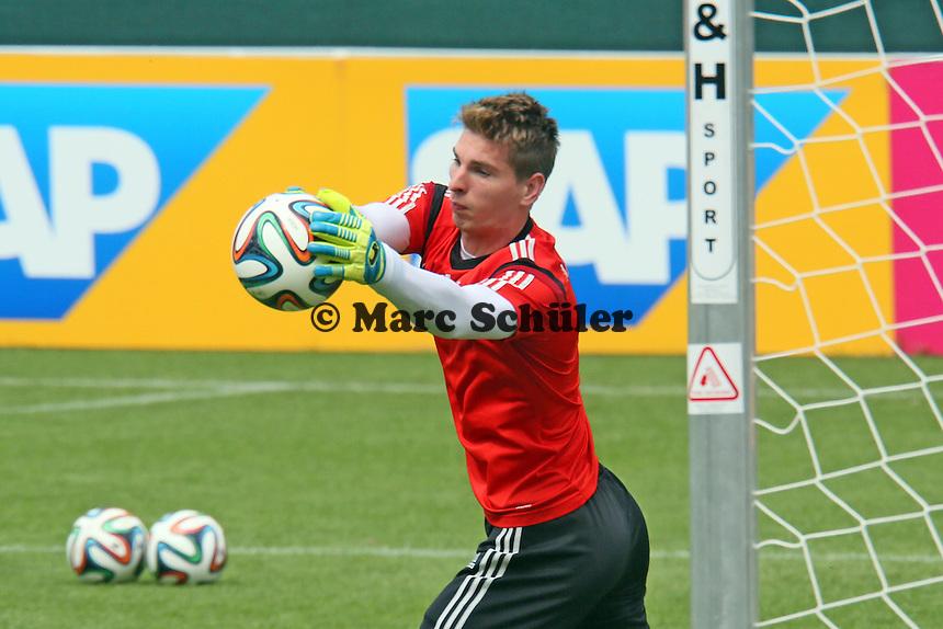 Ron-Robert Zieler beim Aufwärmtraining - Training der Deutschen Nationalmannschaft im Rahmen der WM-Vorbereitung in St. Martin