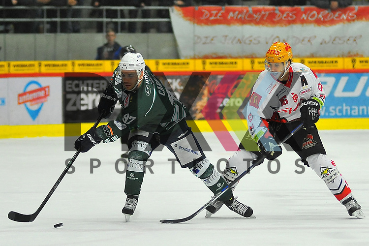 Frederik CABANA (SC Bietigheim Steelers), Brock HOOTON (Fischtown Pinguins REV Bremerhaven).<br /> <br /> Deutschland, Bietigheim-Bissingenn:  Sport, Eishockey, DEL2 Hauptrund: SC Bietigheim Steelers vs. Fishtowns Pinguins Bremerhaven am 08.01.2016,  EgeTrans Arena.<br /> <br /> Foto &copy; PIX-Sportfotos *** Foto ist honorarpflichtig! *** Auf Anfrage in hoeherer Qualitaet/Aufloesung. Belegexemplar erbeten. Veroeffentlichung ausschliesslich fuer journalistisch-publizistische Zwecke. For editorial use only.