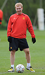 Paul Scholes of Manchester United during training before the champions league fixture against Barcelona. Picture date 28th April 2008. Picture credit should read: Simon Bellis/Sportimage