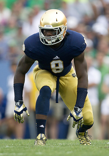 August 31, 2013:  Notre Dame linebacker Jaylon Smith (9) during NCAA Football game action between the Notre Dame Fighting Irish and the Temple Owls at Notre Dame Stadium in South Bend, Indiana.  Notre Dame defeated Temple 28-6.