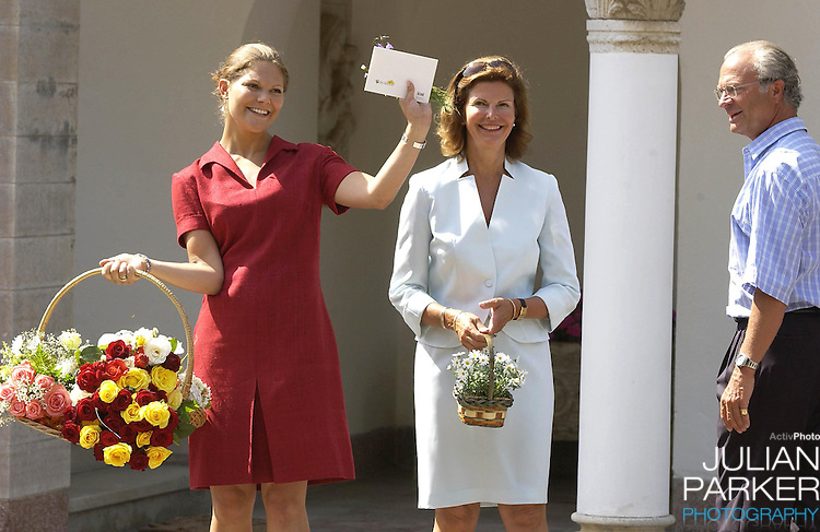 CROWN PRINCESS VICTORIA OF SWEDEN CELEBRATES HER 25TH BIRTHDAY, .WITH HER PARENTS, AT SOLLIDEN, NEAR BERGHOLM, SWEDEN..14/7/02.  PICTURE: UK PRESS   (ref 5105-11)