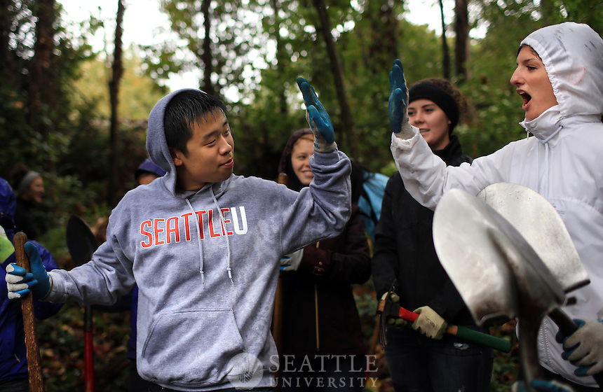 09282013- Serve Seattle 2013 <br /> <br /> Seattle University freshmen take part in the annual Serve Seattle service day at the conclusion of Welcome Week.