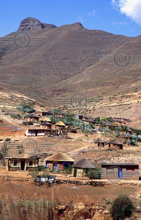 ©Neil Cooper/Panos Pictures..South Lesotho. Typical landscape and village.