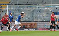Kopfballchance Serdar Dursun (SV Darmstadt 98)<br /> <br /> - 14.06.2020: Fussball 2. Bundesliga, Saison 19/20, Spieltag 31, SV Darmstadt 98 - Hannover 96, emonline, emspor, <br /> <br /> Foto: Marc Schueler/Sportpics.de<br /> Nur für journalistische Zwecke. Only for editorial use. (DFL/DFB REGULATIONS PROHIBIT ANY USE OF PHOTOGRAPHS as IMAGE SEQUENCES and/or QUASI-VIDEO)