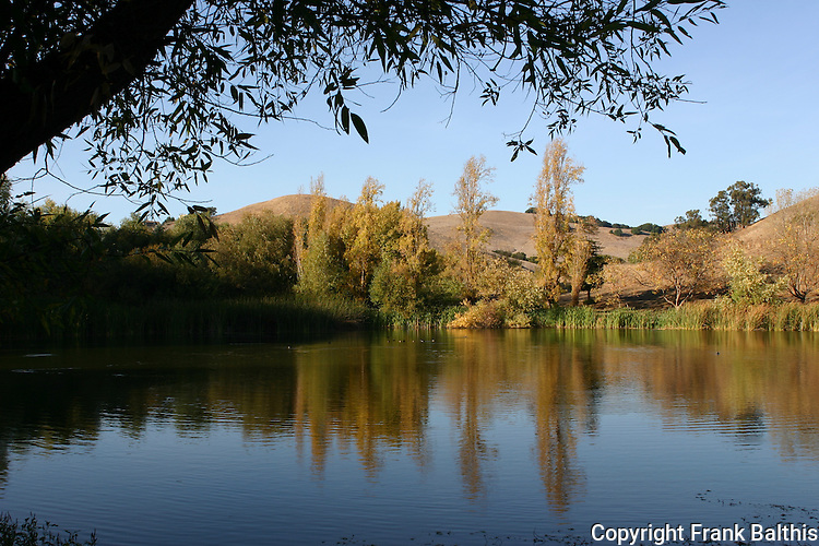 Jordan Pond at Garin Regional Park, autumn