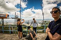 Makedonien. Skopje og Ohrid. Tur til toppen af Vodno bjerget i Skopje for, at se Millenium Cross, et 66 meter højt kors på bjergets top. Foto: Jens Panduro