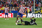 Atletico de Madrid´s Koke (L) and  Chelsea´s Ashley Cole during Champions League semifinal first leg soccer match between Atletico de Madrid and Chelsea, at the Vicente Calderon stadium, in Madrid, Spain, April 22, 2014. (ALTERPHOTOS/Victor Blanco)
