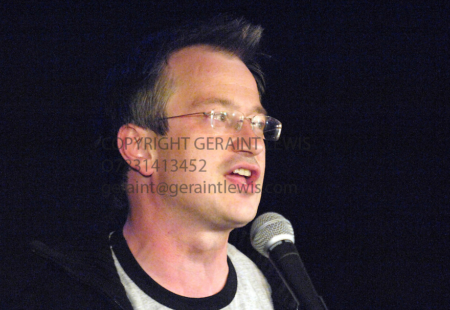 Robin Ince,comic, Performing at the Edinburgh Festival 2007. CREDIT Geraint Lewis