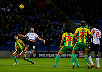 Bolton Wanderers' Gary O'Neil can't keep his header under the bar<br /> <br /> Photographer Alex Dodd/CameraSport<br /> <br /> The EFL Sky Bet Championship - Bolton Wanderers v West Bromwich Albion - Monday 21st January 2019 - University of Bolton Stadium - Bolton<br /> <br /> World Copyright © 2019 CameraSport. All rights reserved. 43 Linden Ave. Countesthorpe. Leicester. England. LE8 5PG - Tel: +44 (0) 116 277 4147 - admin@camerasport.com - www.camerasport.com