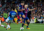 Sergi Roberto Carnicer (c) of FC Barcelona in action during the La Liga 2017-18 match between FC Barcelona and Malaga CF at Camp Nou on 21 October 2017 in Barcelona, Spain. Photo by Vicens Gimenez / Power Sport Images