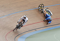 CALI – COLOMBIA – 01-03-2014: Stefan Botticher (Izq.) de Alemania y Adam Ptacnik (Der.) de Republica Checa de Francia en la prueba Embalaje Hombres 1/16 en el Velodromo Alcides Nieto Patiño, sede del Campeonato Mundial UCI de Ciclismo Pista 2014. / Stefan Botticher (L) of Alemania and Adam Ptacnik (R) Czech Republic during the test of Men´s Sprint 1/16 in Alcides Nieto Patiño Velodrome, home of the 2014 UCI Track Cycling World Championships. Photos: VizzorImage / Luis Ramirez / Staff.
