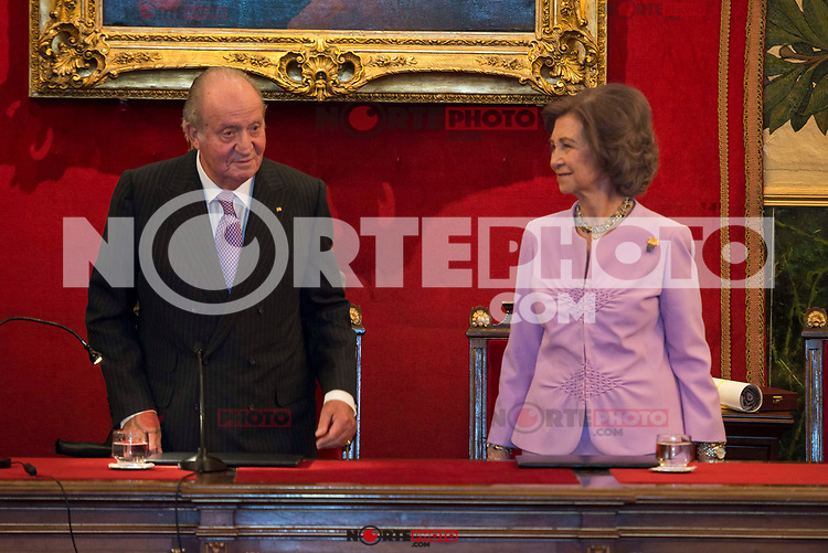 King Juan Carlos I and Queen Sofia attends to deliver to his Highness the Princess Margarita of the gold medal of the Royal National Academy of Medicine in Madrid, May 08, 2017. Spain.<br /> (ALTERPHOTOS/BorjaB.Hojas)
