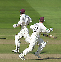 Photo Peter Spurrier.31/08/2002.Cheltenham & Gloucester Trophy Final - Lords.Somerset C.C vs YorkshireC.C..Somerset batting. Keith Parsons and Ian Blackwell;