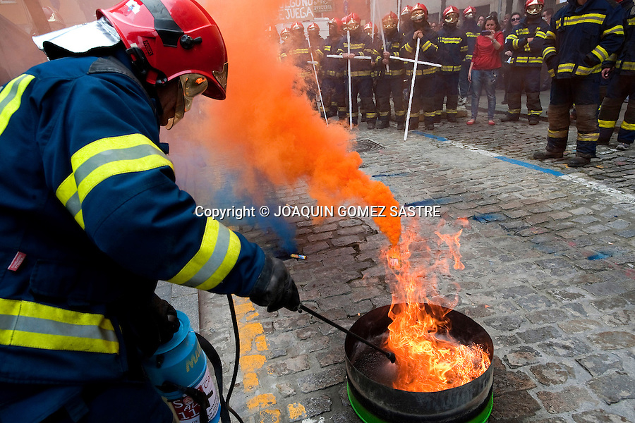 The firemen of the department emergency service (112) protest in Santander (spain) for the dismissal of part of the template due to cuts in public services of goverment .Santander (spain)  may 17, 2012.photo © JOAQUIN GOMEZ SASTRE