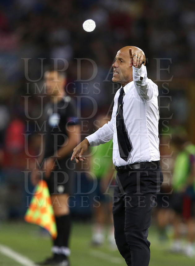 Football: Uefa European under 21 Championship 2019, Italy - Spain Renato Dall'Ara stadium Bologna Italy on June16, 2019.<br /> Italy's under 21 national team coach Luigi Di Biagio speaks to his players during the Uefa European under 21 Championship 2019 football match between Italy and Spain at Renato Dall'Ara stadium in Bologna, Italy on June16, 2019.<br /> UPDATE IMAGES PRESS/Isabella Bonotto