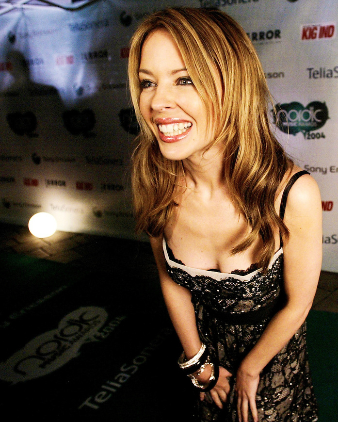 Oslo, 20041023. Nordic Music Awards i Oslo Spektrum. Kylie Minogue
