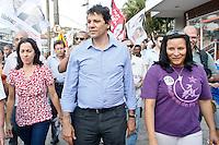 ATENÇÃO EDITOR: FOTO EMBARGADA PARA VEÍCULOS INTERNACIONAIS SÃO PAULO,SP,18 SETEMBRO 2012 - HADDAD VISITA CENTRO DE DIREITOS HUMANOS DE SAPOPEMBA - O candidaro a prefeitura de São Paulo Fernando Haddad caminhou na tarde de hoje  pelas ruas do Jd Grimaldi região do Sapopemba na zona leste.FOTO ALE VIANNA - BRAZIL PHOTO PRESS.
