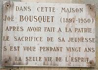 Europe/France/Languedoc-Rousillon/Aude/Carcassonne: Plaque à la mémoire de Joe Bousquet sur une maison de la ville basse