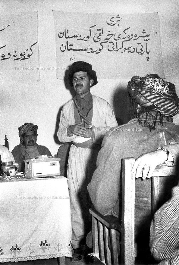 Iraq 1963 .Jalal Talabani speaking at a meeting aside the conference of Koysanjak, left, Sheikh Latif.Irak 1963.Jalal Talabani intervenant dans un meeting en marge de la conference de Koysanjak, a gauche Sheikh Latif