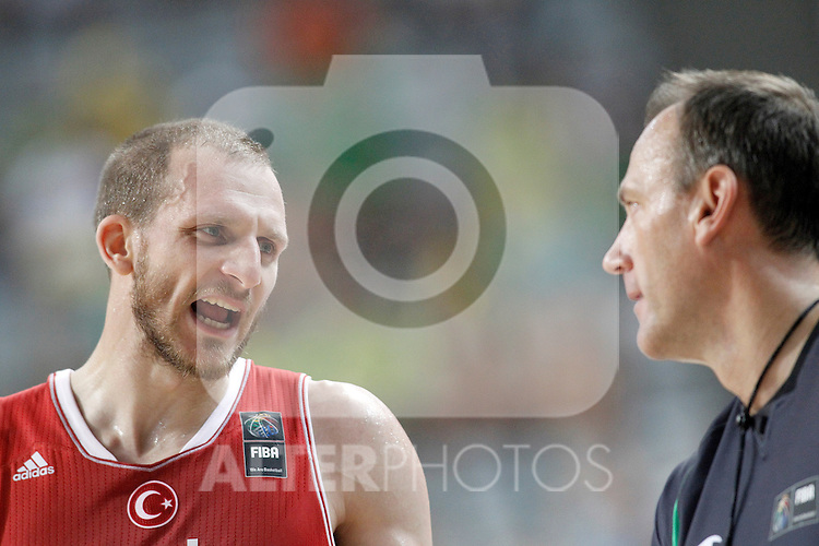 Turkey's Sinan Guler have words with the referee during 2014 FIBA Basketball World Cup Quarter-Finals match.September 9,2014.(ALTERPHOTOS/Acero)