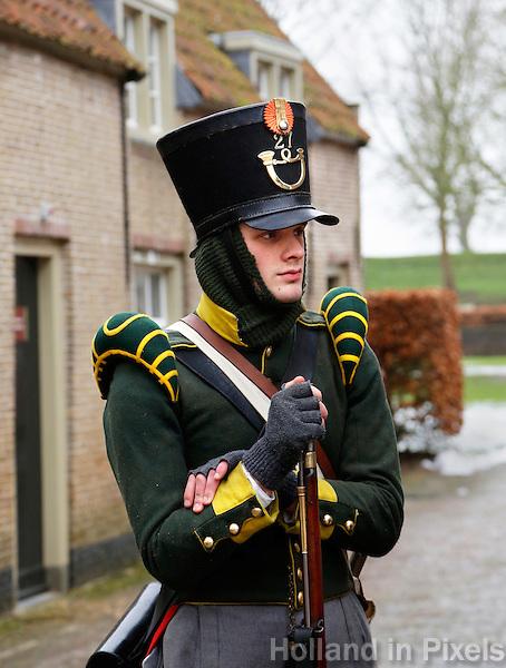 Poederoijen Slot Loevestein. Exercitie van de Napoleontische Associatie der Nederlanden (  N.A.N. ).