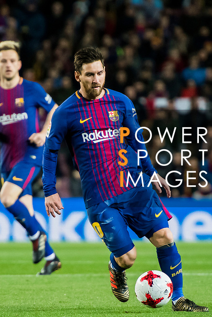 Lionel Andres Messi (C) of FC Barcelona in action during the Copa Del Rey 2017-18 Round of 16 (2nd leg) match between FC Barcelona and RC Celta de Vigo at Camp Nou on 11 January 2018 in Barcelona, Spain. Photo by Vicens Gimenez / Power Sport Images