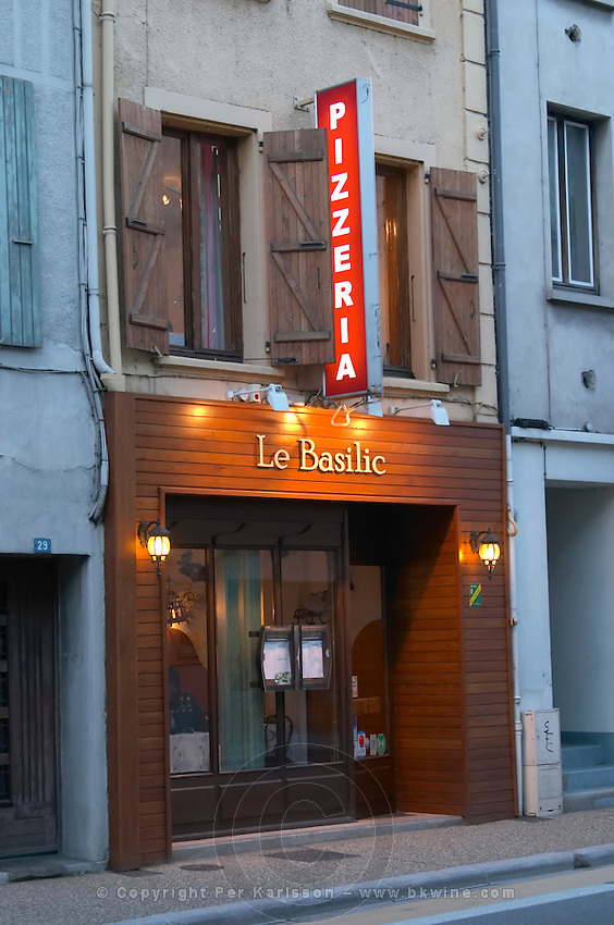 pizzeria le basilic tain l hermitage rhone france