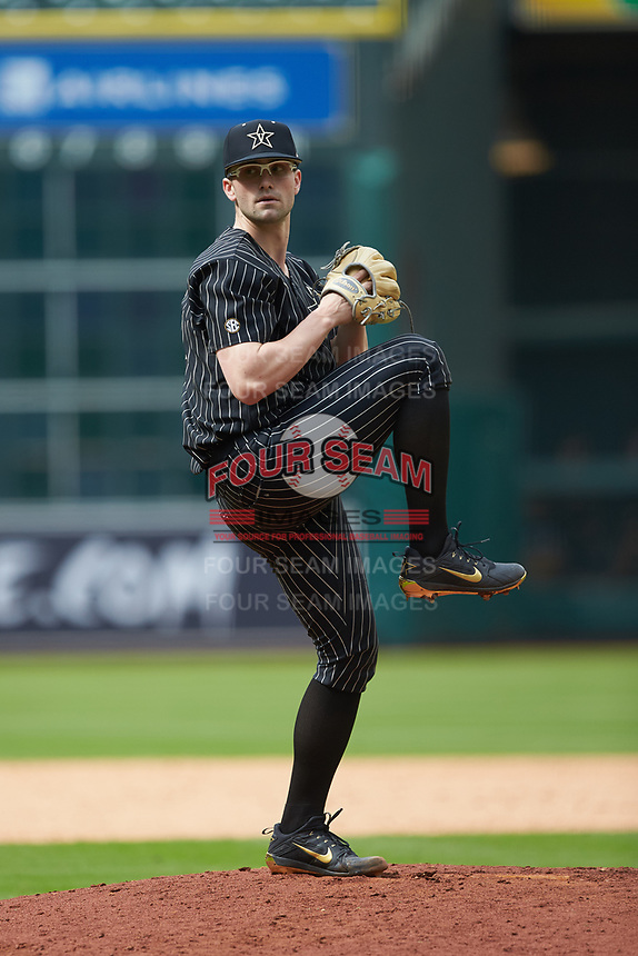 Vanderbilt Commodores relief pitcher Jackson Gillis (35) in action against the Sam Houston State Bearkats in game one of the 2018 Shriners Hospitals for Children College Classic at Minute Maid Park on March 2, 2018 in Houston, Texas. The Bearkats walked-off the Commodores 7-6 in 10 innings.   (Brian Westerholt/Four Seam Images)