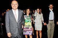 SÃO PAULO, 14 DE MARÇO 2013 - ENCONTRO DE PREFEITOS DO ESTADO DE SÃO PAULO - O Governador Geraldo Alckmin(e), as primeiras damas, Lu Alckmin(c),Ana Estela(c) e o prefeito Fernando Haddad(d)   durante evento que reuniu Prefeitos do Estado de São Paulo, no Memorial da América Latina, Barra Funda, zona oeste da capital, na manhã desta quinat-feira(14) - FOTO: LOLA OLIVEIRA/BRAZIL PHOTO PRESS