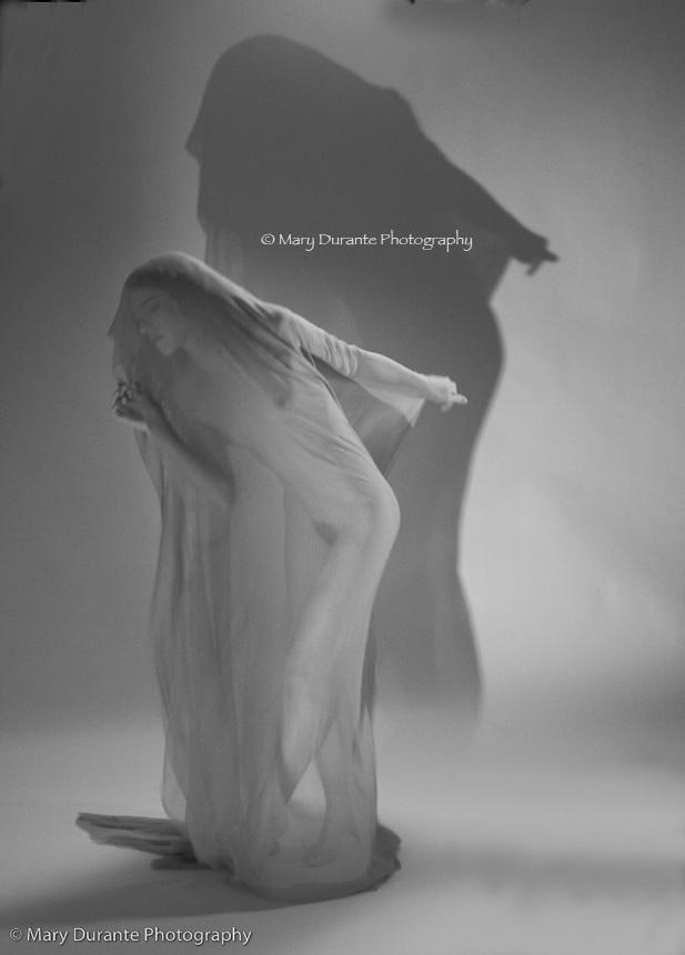 Keira Grant, nude