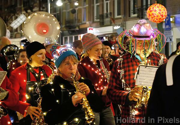 Nederland Amsterdam 2017 . De Super Sint Maarten parade in Amsterdam Oost.  Foto Berlinda van Dam / Hollandse Hoogte
