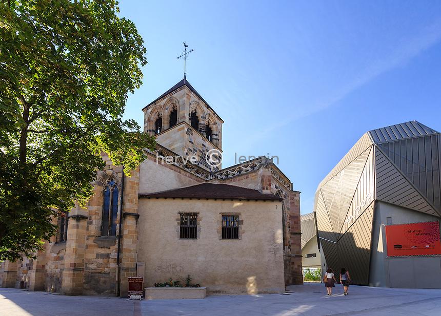 France, Allier (03), Montluçon, église Notre-Dame de Montluçon et le MUPOP, musée des musiques populaires // France, Allier, Montlucon, Notre Dame church and MUPOP, museum of popular music