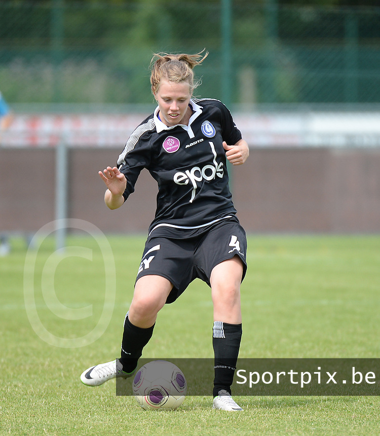 20150801 - WESTKAPELLE , BELGIUM : Gent's Ine Heemeryck pictured during a friendly soccer match with the women team of AA Gent Ladies , during the preparation for the 2015-2016 SUPERLEAGUE season, Saturday 1 August 2015 . PHOTO DAVID CATRY
