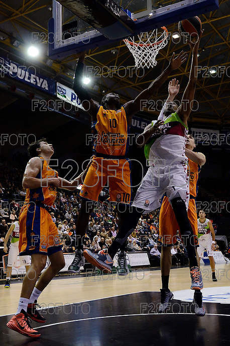 Sato vs Hamilton<br /> Euroleague - 2014/15<br /> Regular season Round 4<br /> Valencia Basket vs Laboral Kutxa Vitoria