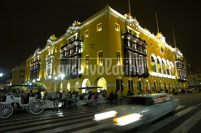Panoramic view of Lima's main square in Lima, Sunday, May 20, 2007. Lima ranks as the nineteenth most populous city in the world with an estimated population of 7.6 million for the urban area, 7.8 million for the entire province, and 9.2 million for the metropolitan area as of 2005. Its population features a very complex mix of racial and ethnic groups. Traditionally, mestizos of mixed European, mostly Spanish, and Amerindian descent are the largest contingent.