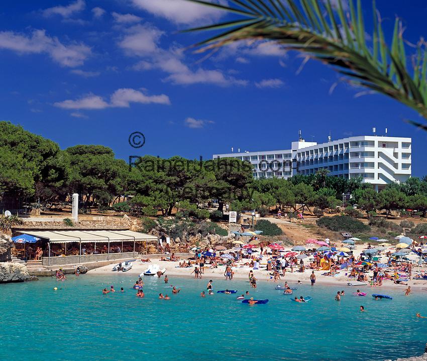 ESP, Spanien, Balearen, Menorca, Cala Blanca: Feriensiedlung bei Ciutadella   ESP, Spain, Balearic Islands, Menorca, Cala Blanca: resort near Ciutadella