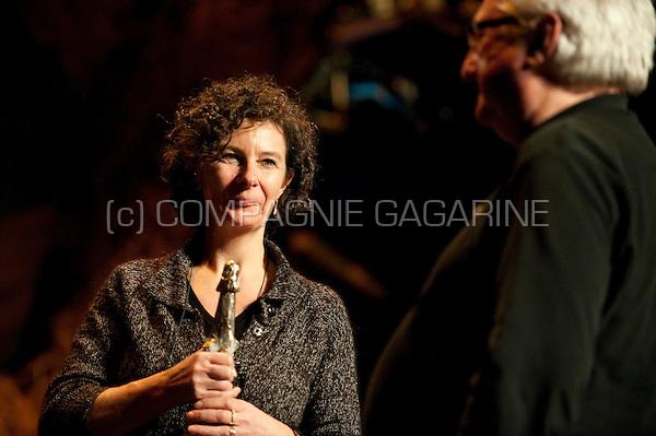 Leen van Dijck from the Letterenhuis winning the Vlaamse Cultuurprijs voor Cultureel Erfgoed 2009 (Belgium, 01/02/2010)