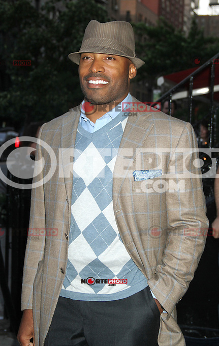 June 25, 2012 Tiki Barber at the Cinema Society and Allure screening of People Like Us at the Clearview Cinemas in New York City. © RW/MediaPunch Inc. *NORTEPHOTO* **SOLO*VENTA*EN*MEXICO** **CREDITO*OBLIGATORIO** **No*Venta*A*Terceros** **No*Sale*So*third** *** No*Se*Permite Hacer Archivo** **No*Sale*So*third** *Para*más*información:*email*NortePhoto@gmail.com*web*NortePhoto.com*