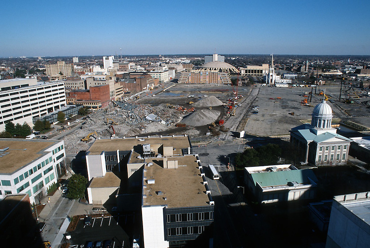 1996 DECEMBER 20..Redevelopment..Macarthur Center.Downtown North (R-8)..LOOKING  NORTH...NEG#.NRHA#..