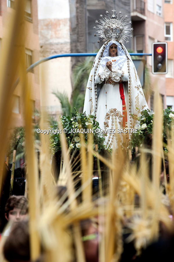 One of the fraternities take their passage of the Virgin in the Palm Sunday procession.photo © JOAQUIN GOMEZ SASTRE