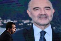 Roma,29 Novembre 2018<br /> Matteo Salvini davanti una foto di Pierre Moscovici durante la trasmissione televisiva L'aria che tira